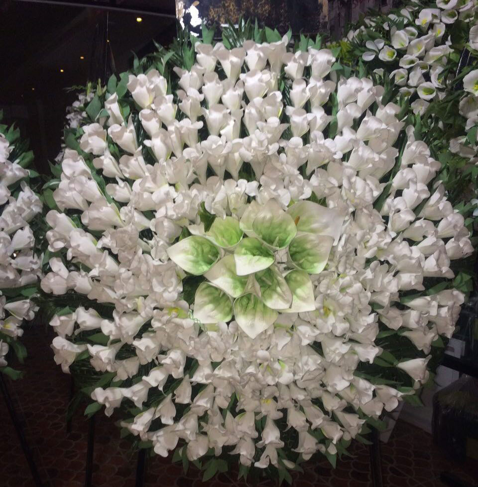تاج گل مصنوعی خیریه ولیعصر
