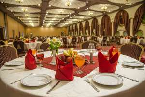 تالار هتل پارسیان انقلاب مناسب برای برگزاری مراسم ترحیم و ختم و سالگرد