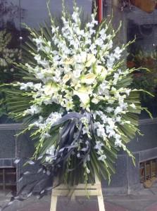 تاج گل ختم و تاج گل ترحیم از گل فروشی