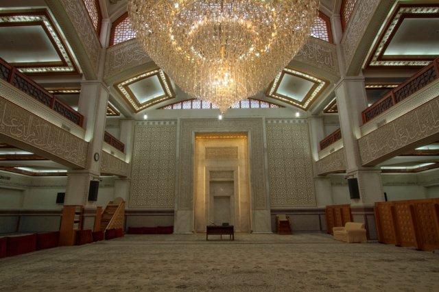 شبستان مسجد جامع شهرک غرب مناسب برای براگزاری مراسمات ترحیم