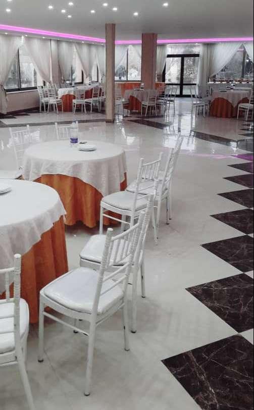 اجاره انواع میز شام به همراه صندلی و رومیزی