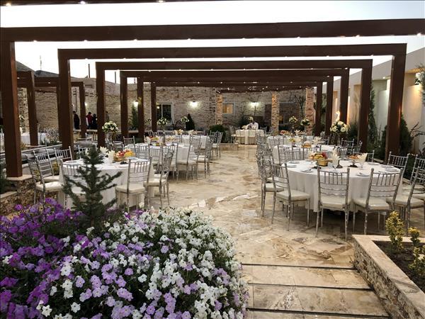 باغسرای تشریفاتی رویای مدرن مناسب برگزاری مراسم ختم در مشهد